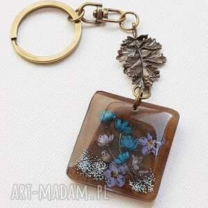 1273/mela - brelok do kluczy z żywicy kwiaty, liść, brelok, kluczy, kwiaty