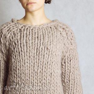 warm-beige Chunky, sweter, gruby, druty, wełna,