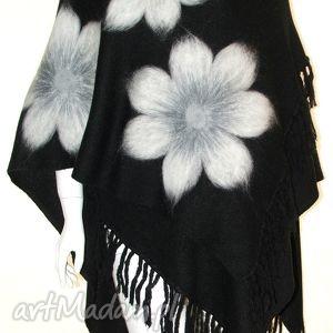 ponczo z frędzlami wełną zdobione - wełna, filcowanie, kwiaty, pawie