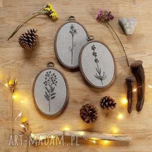 tryptyk kwiatowy - ,obrazek,haft,botaniczny,kwiaty,obrazki,len,