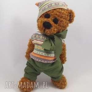 tadzik, miś, szydełkowy-miś, maskotka, włóczkowy, przytulanka, prezent maskotki dla