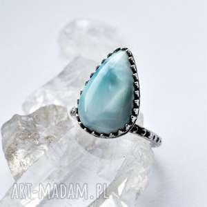 pierścień z larimarem, minimalizm, srebro, elegancki, minimalistyczny, larimar