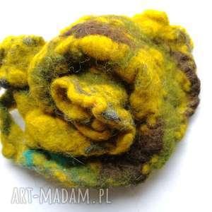 Prezent duża filcowa broszka kwiat, wełna, babcia, filc, prezent, kolorowa, szal