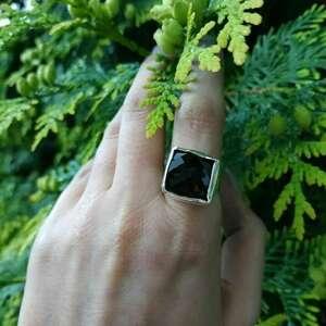 srebrny pierścionek z kwarcem dymnym, kwarc dymny, surowy, srebro