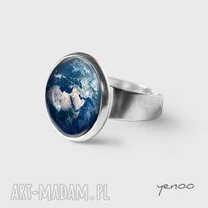 Prezent Pierścionek - Ziemia, pierścionek, grafika, ziemia, planeta, unikatowy,