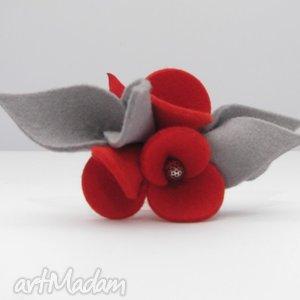 broszka- filcowe bratki- czerwień z szarością - broszka, filc, bratki, kwiatki