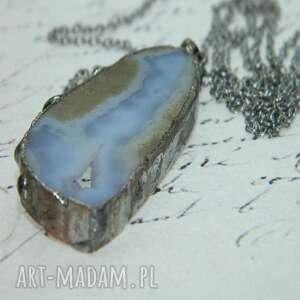 agat otulony cyną -n100, wisior, metaloplastyka, unikatowa biżuteria, wisior