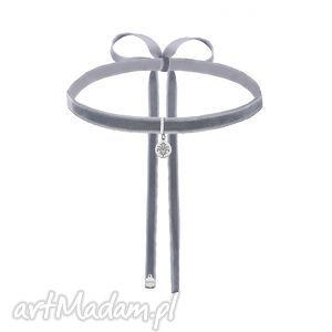 naszyjniki szary aksamitny choker ze srebrną rozetką, naszyjnik, modny