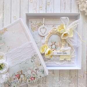kartka dla dziewczynki w ozdobnym pudełku kartka na chrzest, pastelowy