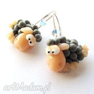 kolczyki szare owieczki z kryształkami