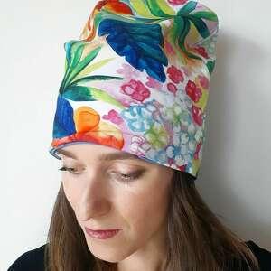 czapka egzotyczna, tropiki, tropikalne kwiaty, egzotyczny wzór, malowane kiwaty
