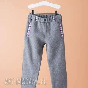 Spodnie CHSP16M, oryginalne, stylowe, dresowe, eleganckie, wyjątkowe, chłopięce