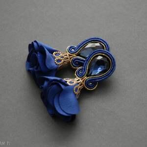 kolczyki sutasz z kwiatkiem, sznurek, kobaltowe, wiszące, granatowe, eleganckie