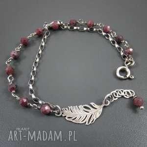 piórko z rubinem, rubin, srebro, prezenty na święta