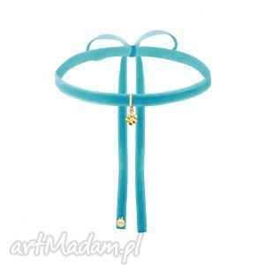 naszyjniki turkusowy aksamitny choker ze złotą łapką, modny, choker, aksamitka