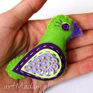 ptaszyna - broszka z filcu, filc, ptak, skrzydła, broszka, modna, cekiny