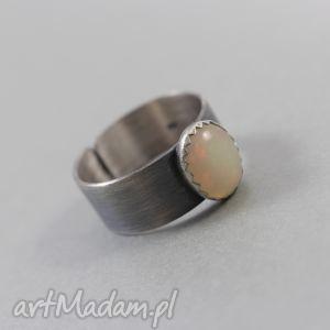 opal etiopski i srebro - pierścionek, opal, etiopski, srebro, oksydowany