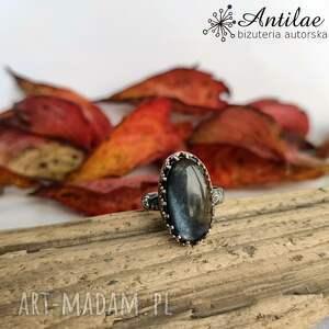antilae delikatny pierścionek z czarnym kamieniem słonecznym r 20,5