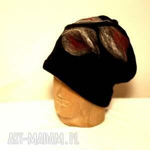 czesanką filcowane czapki wełniane (wełna)