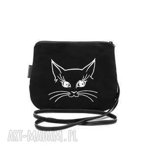 mała czarna torebka torebeczka mini z wyszytym kotkiem, torebka, wyszywana
