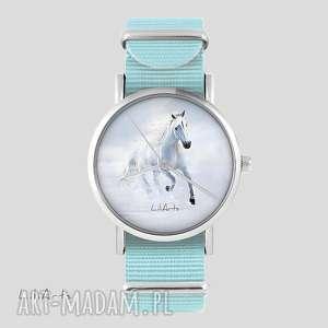 zegarek, bransoletka - biały koń biegnący niebieski, nato, zegarek