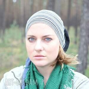 nagminnie jej sie zdarza uciekac sprzed ołtarza - czapka