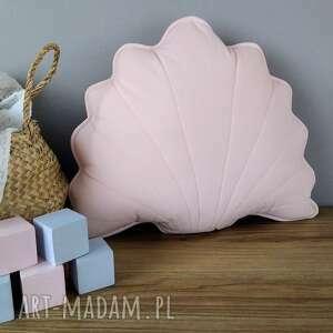 różowa poduszka dekoracyjna, seledynowa, muszelka jasiek