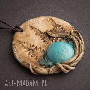 ręcznie wykonane wisiorki wisior medalion z niebieską ceramiką