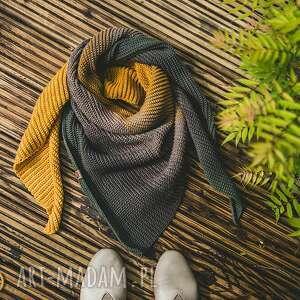 miodna chusta - w naturalnych odcieniach miodu ręcznie robiona szydełko