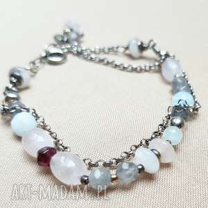 Bransoletka ze srebra i pastelowych kamieni, srebro, oksydowane, delikatna, kobieca