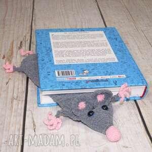 zaczytany szczurek - zakładka do książki, szczur, książka, czytanie, gryzoń