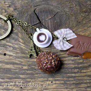 romantyczny brelok, modelina, fimo, pralinka, czekolada, orzech, toffi