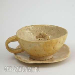 ceramiczna duża filiżanka kubek z figurką konia - miodowa, filiżanka, koń