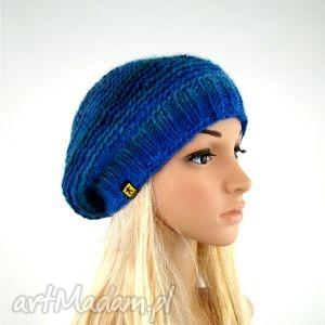 beret w błękitach - beret, czapka, dodatek, cieniowany, zima, prezent