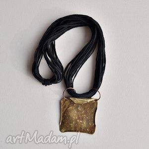 Naszyjnik ze sznurka i mosiądzu 1 naszyjniki aleksandrab