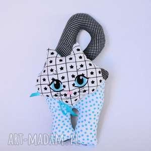 Kot klamkowy Czarek, kot, klamkowy, zawieszka, kotek, haftowana, maskotka