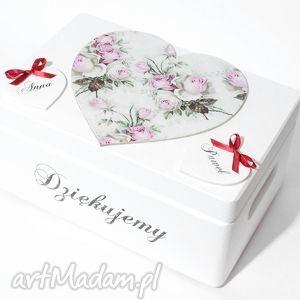 Ślubne pudełko na koperty kopertówka personalizowane serce napis