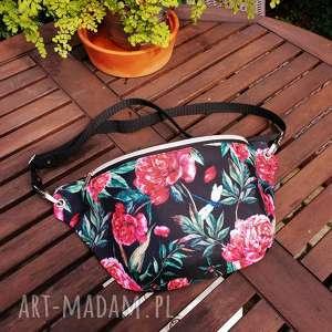 nerka xxl piwonie i ważka, nerka, vintage, piwonie, kwiaty, biodrówka, torebka nerki