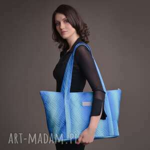 handmade torebki duża torba pikowana z materiału w kolorze błękitno