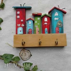 ręcznie wykonane wieszaki kolorowe domki - wieszak no3