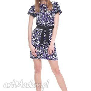 Sukienka Asis, moda