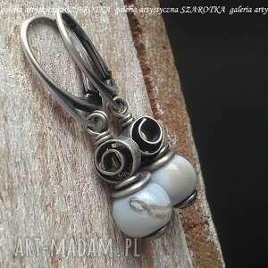 stalowy błękit kolczyki z opala i srebra, opal gołębi, srebro oksydowane