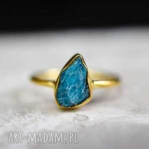 Srebro 925/18-karatowy pozłacany pierścionek z apatytem *Kolekcja luksusowa*, apatyt