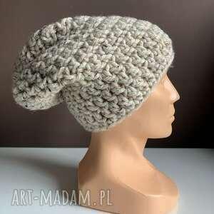 ręcznie zrobione czapki robiona czapka tweed jasny beż hand made