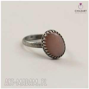 Beżowy kamień księżycowy i srebro - pierścionek 2934 chileart