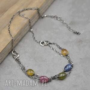 kolorowy szafir srebrny krótki naszyjnik 119, srebro, szafir, kamienie