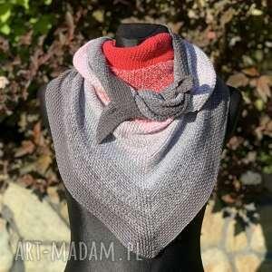 ręcznie wykonana chusta w odcieniach różu mech, chusta, szal, szydełko