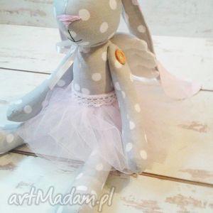 Króliczek ze skrzydełkami, króliczek, urodziny, narodziny