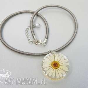 0172/ mela wisiorek z żywicy kwiat margaretka, wisiorek, naszyjnik, żywica, epoksyd