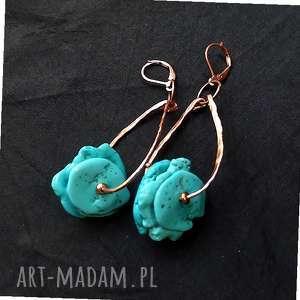 kolczyki turkusowo-miedziane kolczyk ręcznie kute w modnym stylu boho, howlit, miedź